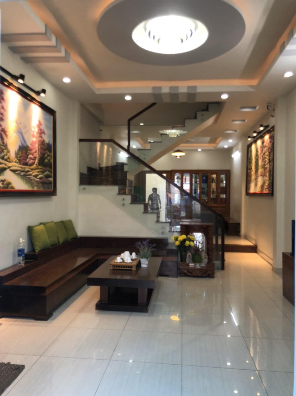 Bán nhà 2 lầu giá :3.35 tỷ ngay trung tâm phường Thạnh xuân,q12