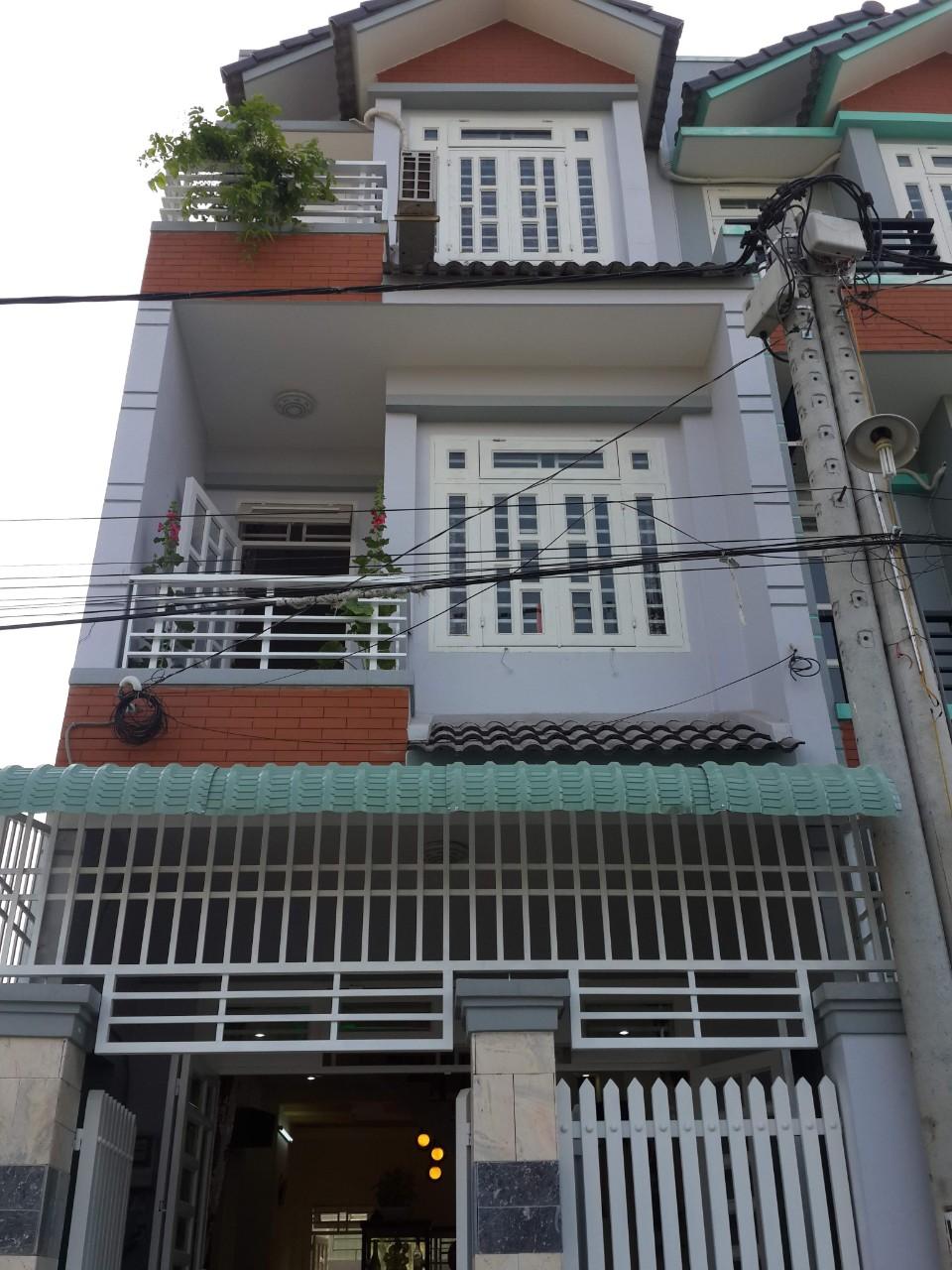 Nhà phố liền kề. 1 Trệt. 2 Lầu. Ngay UBND Phường Thạnh Xuân.Q.12 HCM